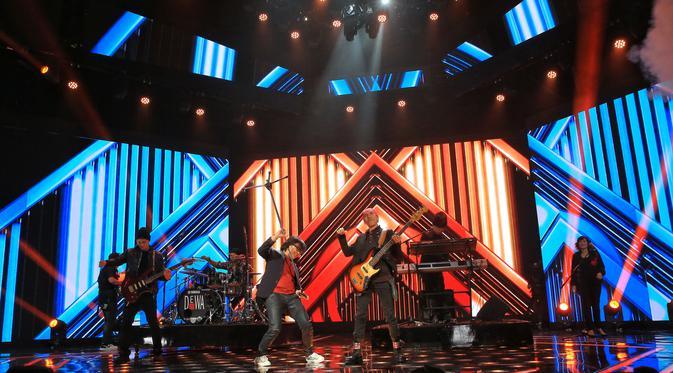 Dewa 19 di Grand Final Indonesian Idol X (Adrian Putra/Fimela.com)