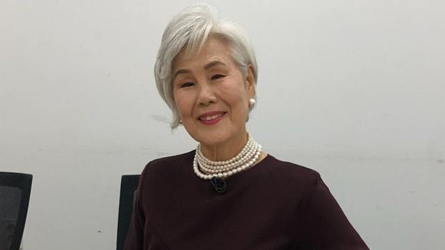 Berawal dari Perawat, Ini 6 Potret Nenek Berusia 77 Tahun yang Jadi Top-Model Korea