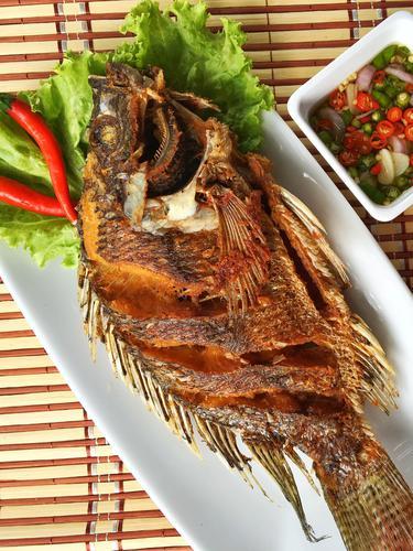 Bumbu Ikan Bakar Mujair : bumbu, bakar, mujair, Resep, Mujair, Goreng, Bumbu, Bawang, Ketumbar, Gurih, Lifestyle, Fimela.com