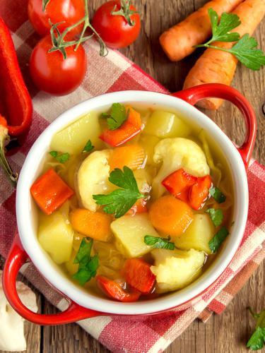 10 Lauk Pendamping Sayur Sop yang Bikin Nafsu Makan Meningkat
