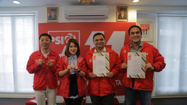 Dua mantan jurnalis Muhammad Rizky dan Yurgen Alifia maju menjadi calon anggota legislatif melalui Partai Solidaritas Indonesia (PSI). (Istimewa)
