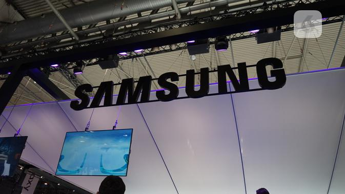 Booth Samsung di gelaran Mobile World Congress 2018. (News/ Agustin Setyo W)