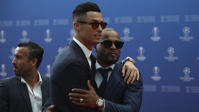 Adu Gaya Ronaldo dan Messi di Acara Pemain Terbaik Eropa