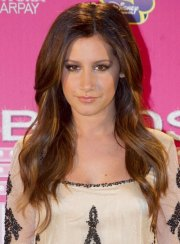 long wavy hairstyles oval