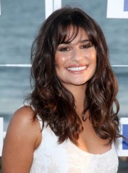 long wavy hairstyles with bangs