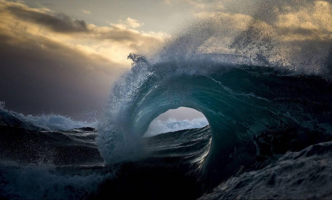 Αποτέλεσμα εικόνας για φουρτουνιασμένη θάλασσα