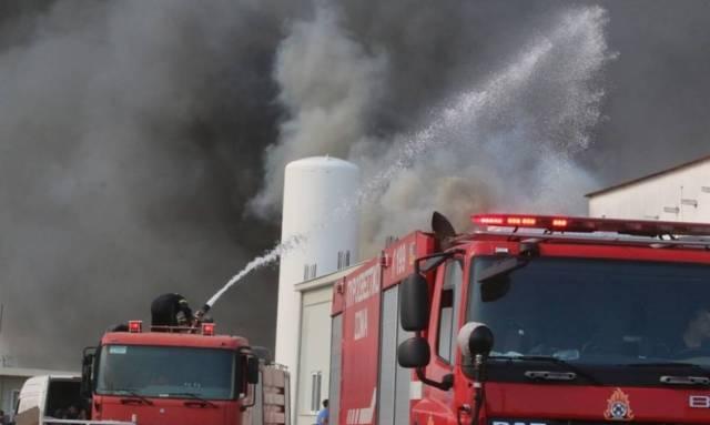 Συναγερμός στην Κρήτη: Μεγάλη φωτιά μαίνεται στην πόλη του Ηρακλείου (pics&vid)
