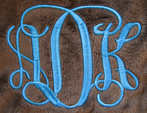 1364 Entwined Or Vine 3 Letter Monogram Machine Embroidery