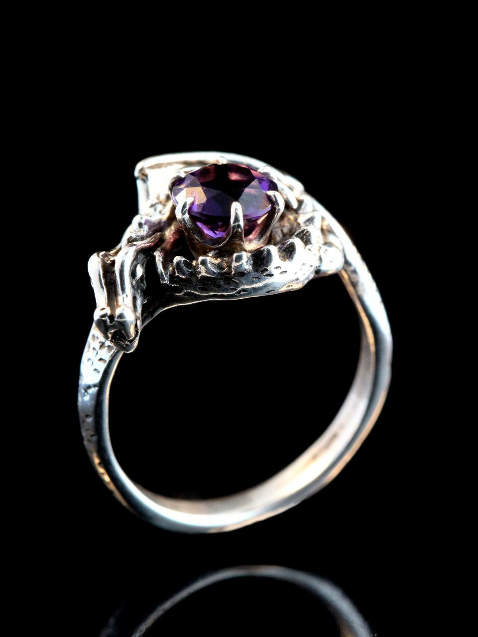 Curled Dragon Ring With Gemstone Jewelry