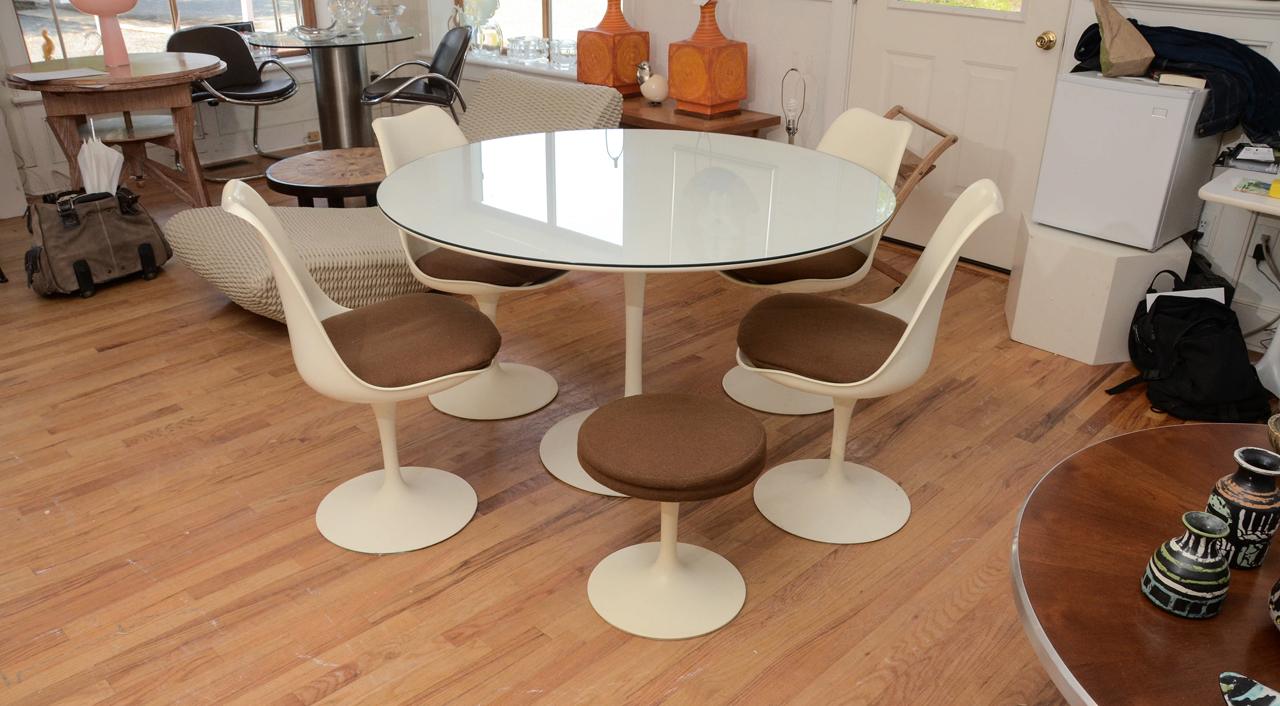 white wishbone chair replica chairs for baby room 5 reasons you need a small stool - stools &