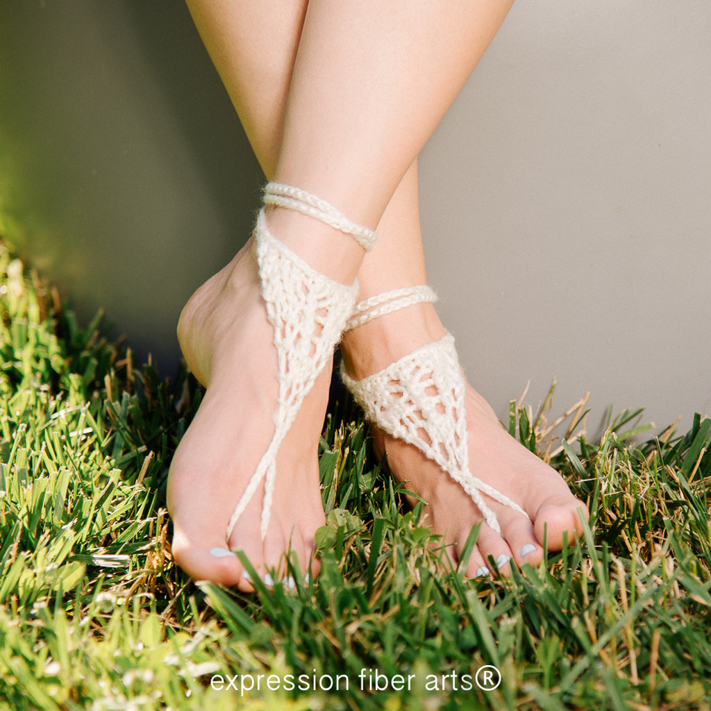 Wanderer Knitted Barefoot Sandals Pattern - Expression