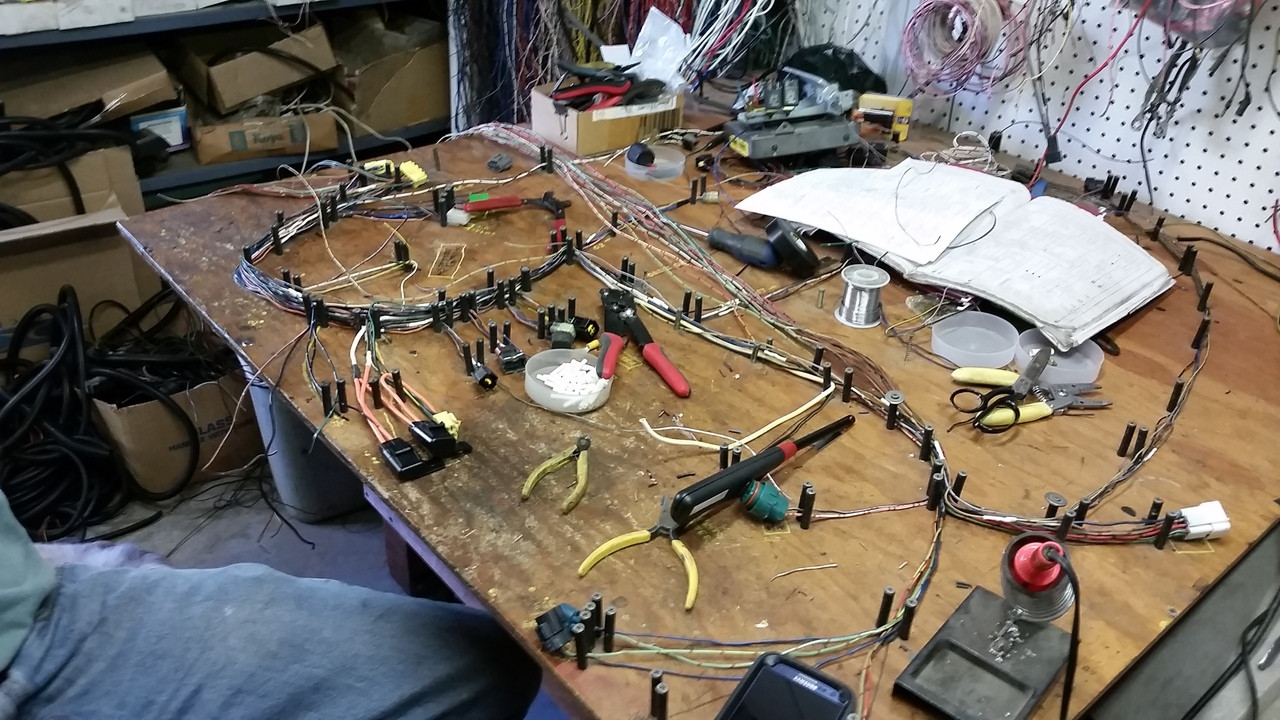 professionally built harness [ 1280 x 720 Pixel ]