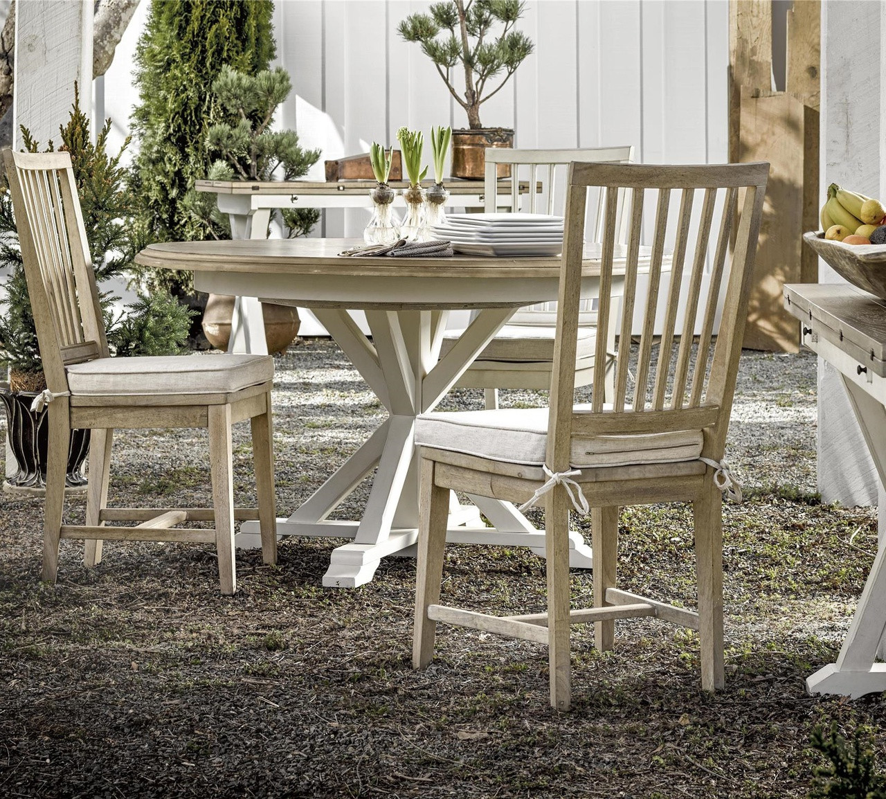 white washed oak dining table and chairs office chair brands in india coastal beach round expandable 54