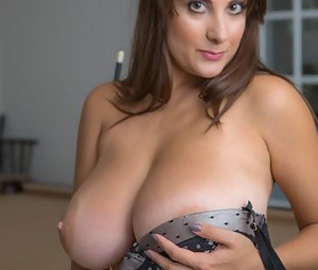 Big Tit Moms Porn Pictures