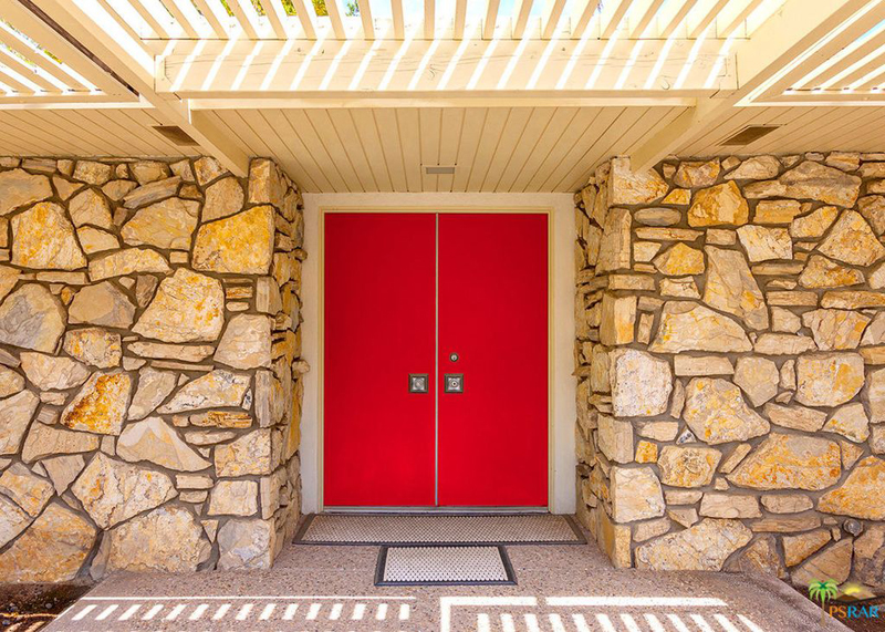 disney2-front-door