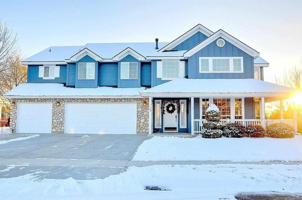 6Bedroom Homes for Less Than 500000  Zillow Porchlight