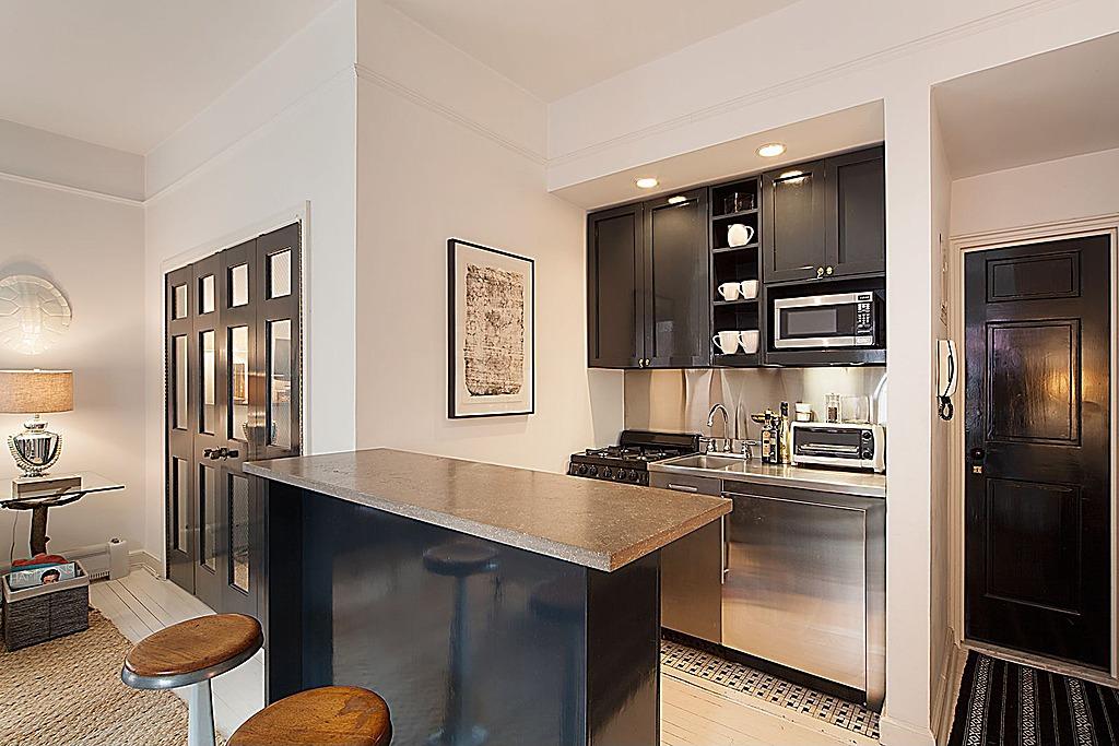 Nate Berkus Lists NYC Apartment Zillow Porchlight