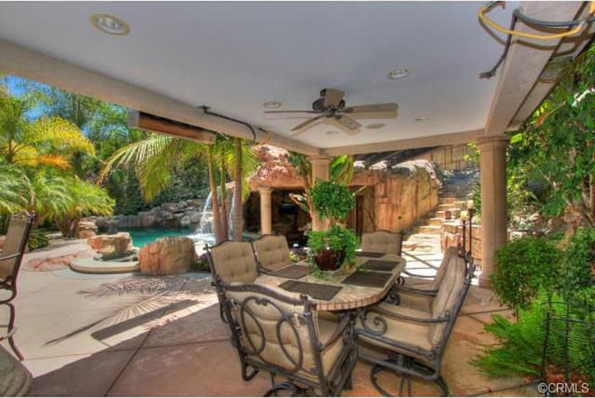 Real Housewife Vicki Gunvalson Selling Redecorated Home