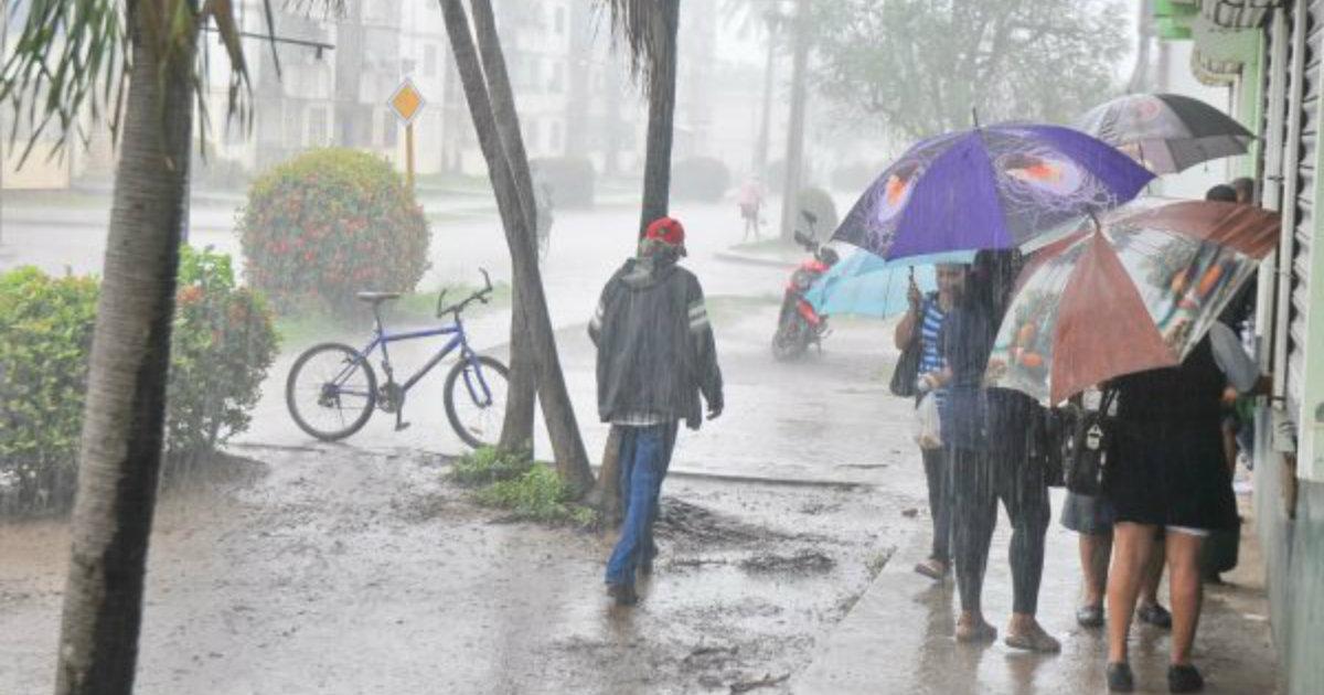 Llueve sin parar desde hace 14 das en la Isla de la