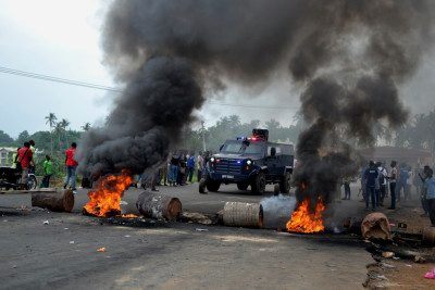 PIC.-18.-STUDENTS-PROTEST-IN-IBADAN-e1450218221798