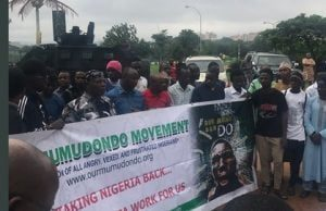 PROTEST 1 300x194 - Charlyboy, Nigerian youths shutdown Abuja, ask Buhari to resume or resign [PHOTOS]