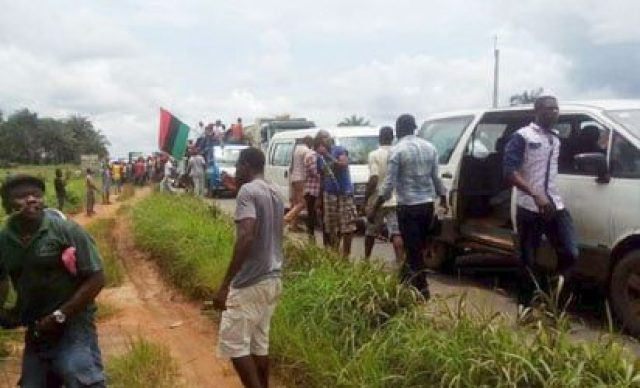 Biafra: Thousands of IPOB members head to Nnamdi Kanu's home as Army allegedly holds him hostage [PHOTOS]