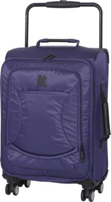It Luggage World's Lightest 22 Inch 8 Wheel Carry On Small