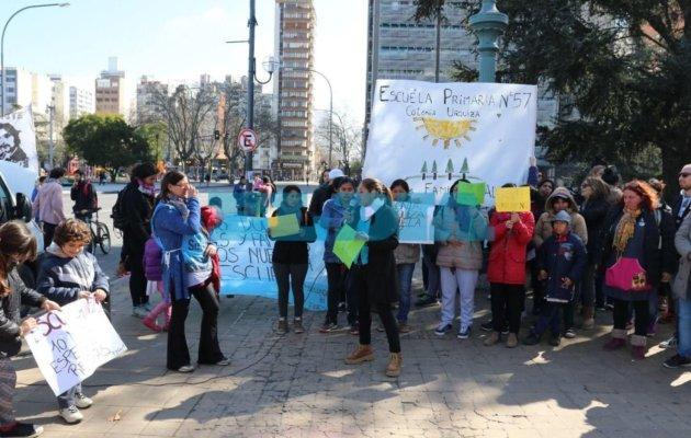 """Crecen las protestas por falencias edilicias en los colegios y La Plata ya es la """"capital del piquete"""""""