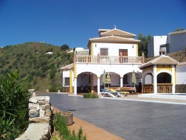 Villa Javier en Sayalonga Mlaga