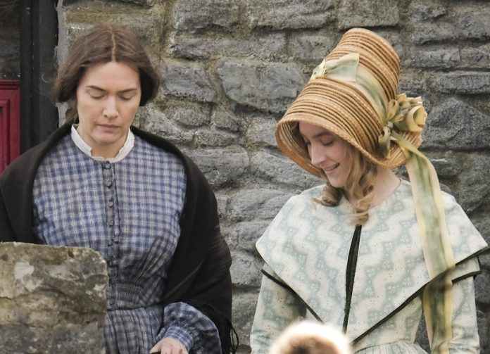 Kate Winslet Says She's 'Proudest' Of Love Scenes With Saoirse Ronan