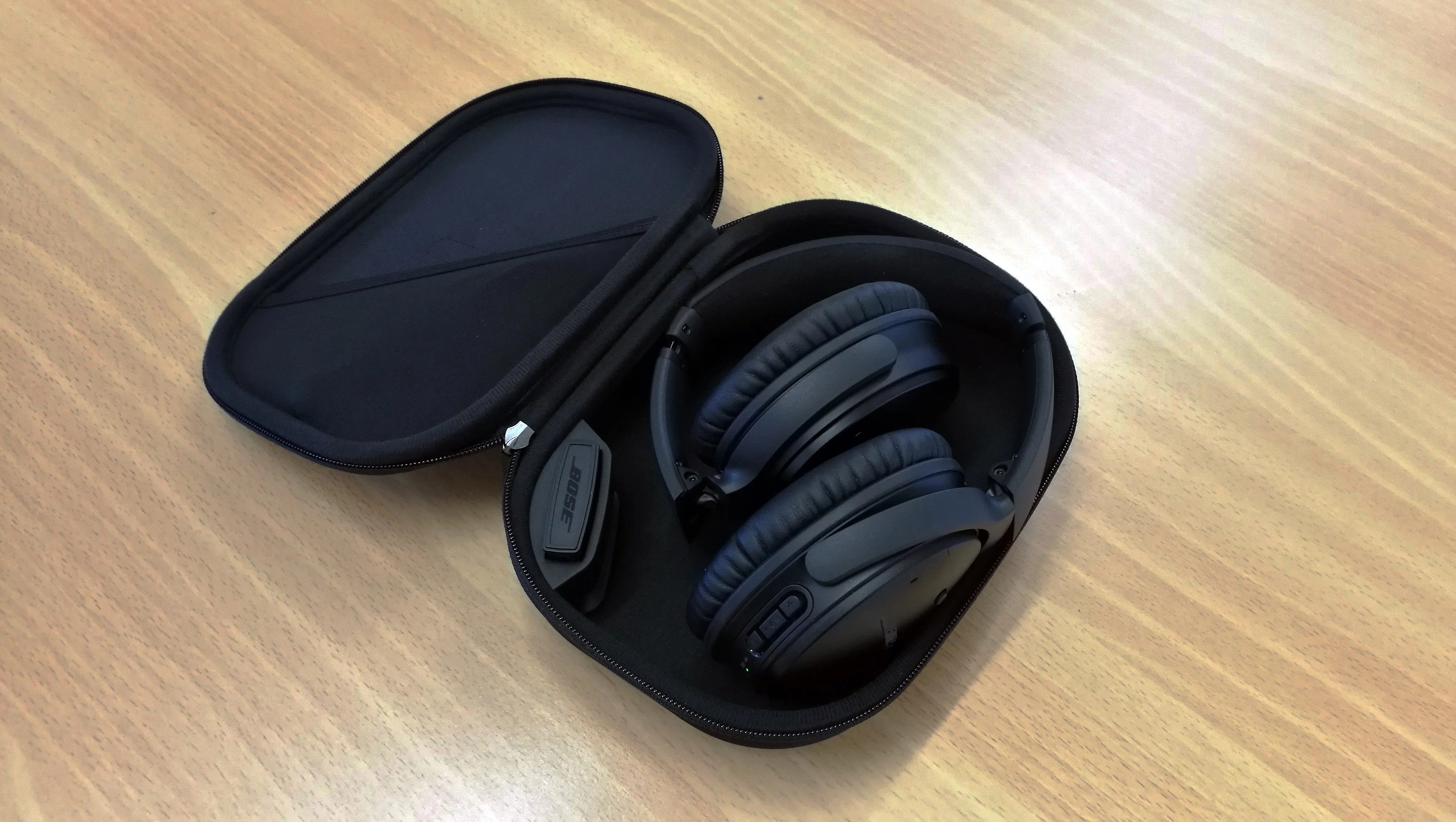 bose quietcomfort 35 series 1 review a classic design superseded expert reviews [ 3968 x 2240 Pixel ]