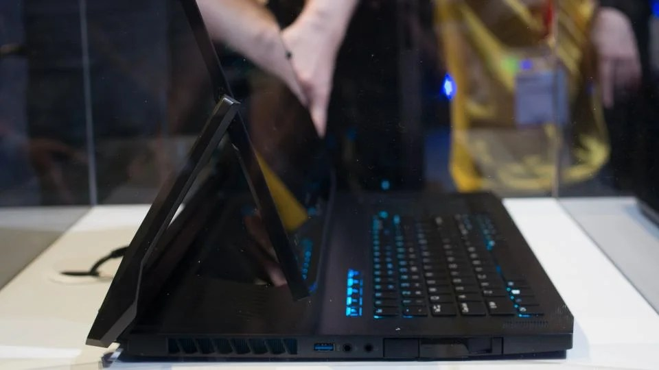Acer S Predator Triton 900 Laptop Is A 4 000 2 In 1