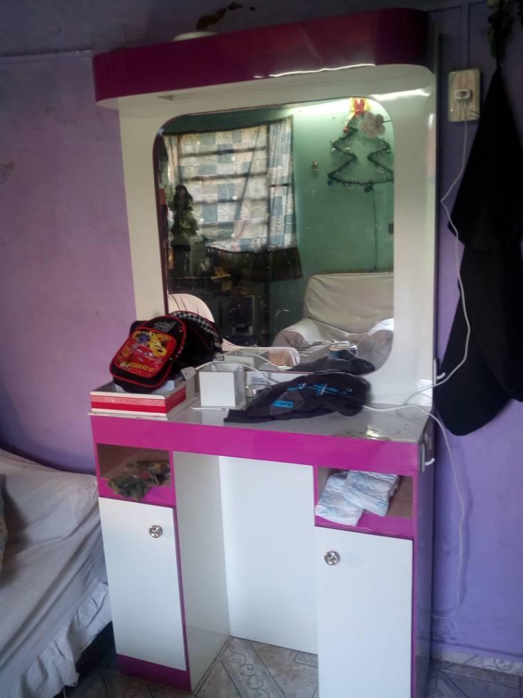 Mueble para maquillaje y peluqueria  Luisydoe  ID 265328