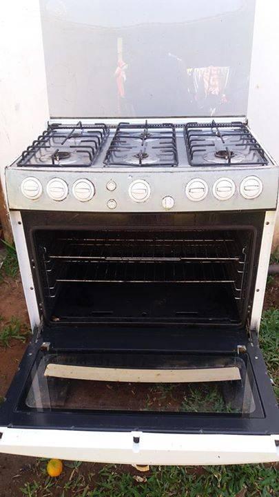 Cocina de 6 hornallas  Gustavo Pera  ID 350903