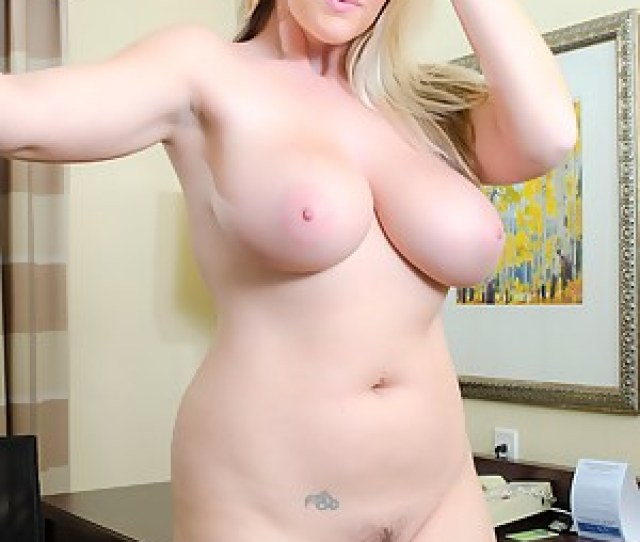 Big Tits Moms Pictures