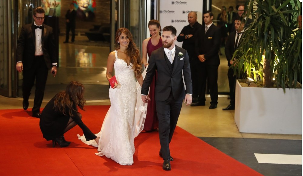 Image result for messi and roccuzzo in their wedding