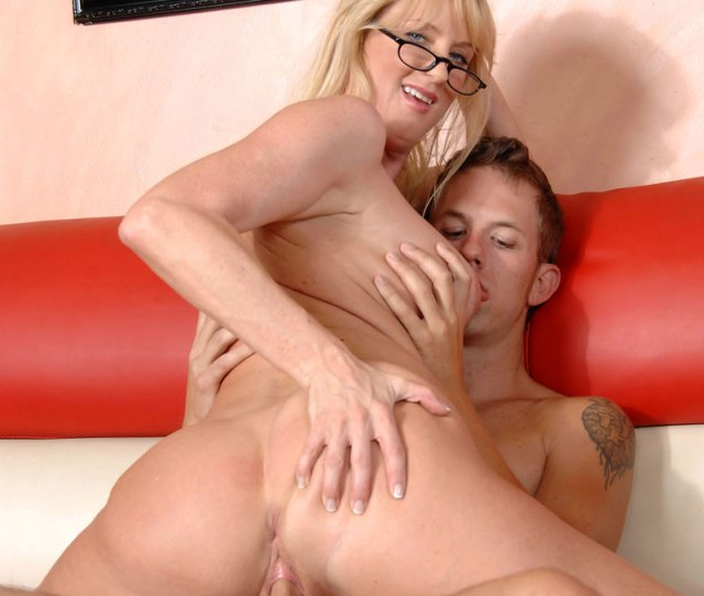 Mature Blonde Bethany Sweet Enjoys Every Moment As She Gets Banged By A Hot Stud