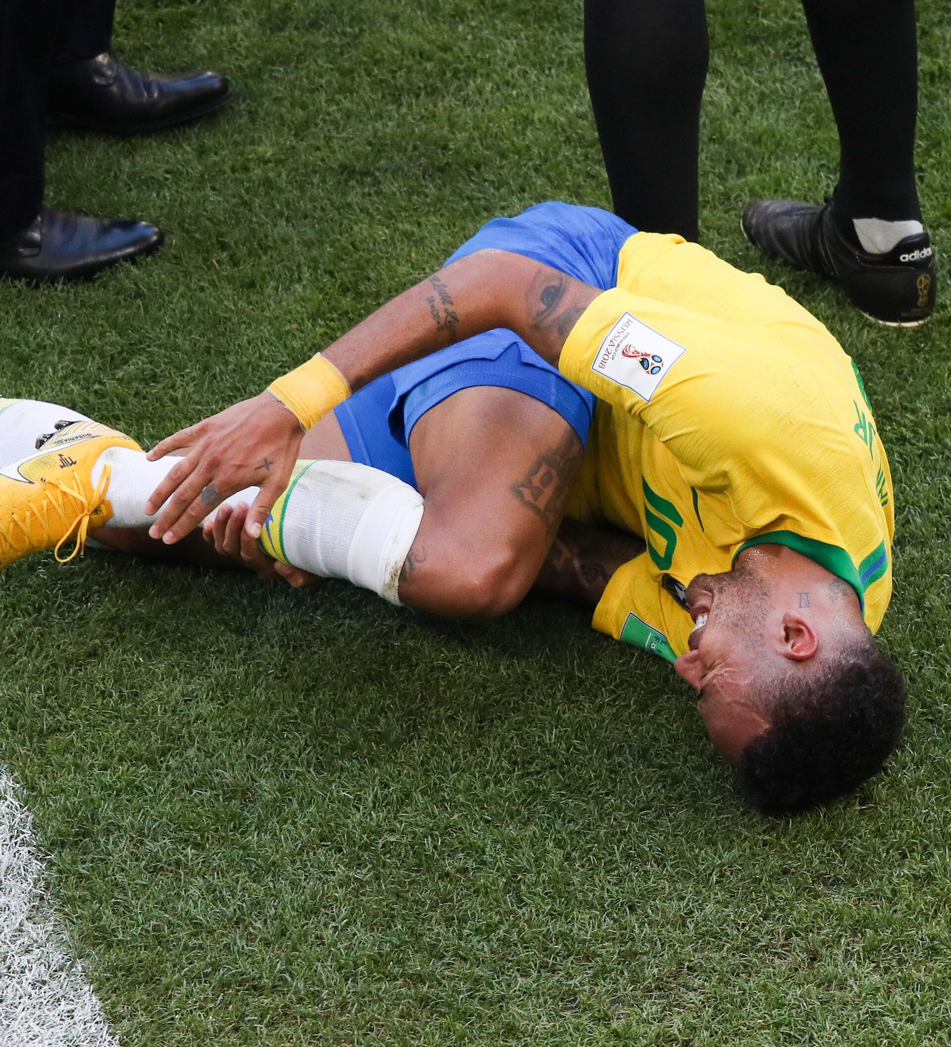 Emil cohen and 1,120 others like this. Watch French Football Legend Cantona Mock Neymar Over His World Cup Play Acting 04 07 2018 Sputnik International