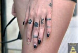 Tatuajes En Los Dedos Significados Fotos Precios Y Opiniones