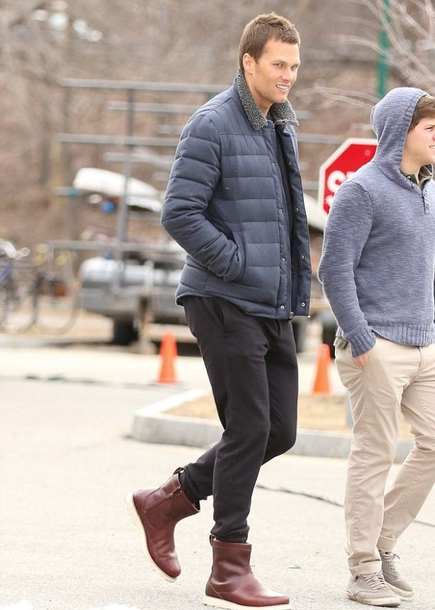 Tom Brady Arrives for Ugg shoot in Uggs