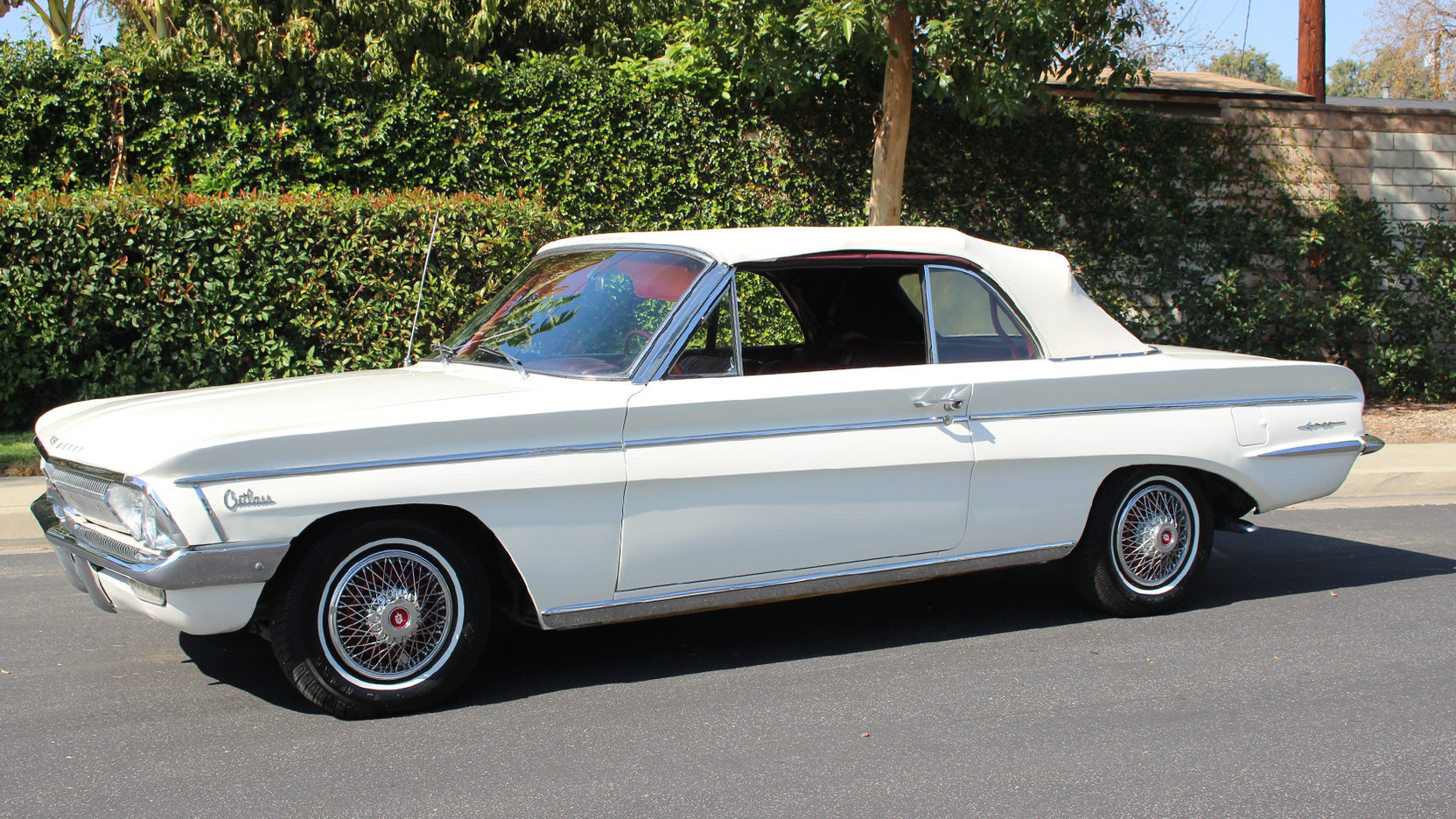 1962 Oldsmobile F85 Convertible - Year of Clean Water