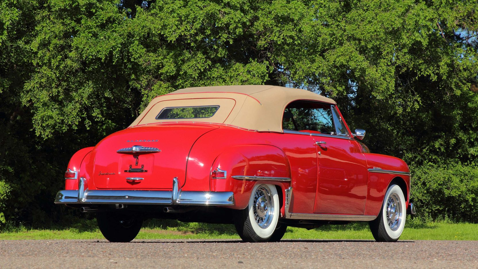 Deluxe Convertible Plymouth 1950