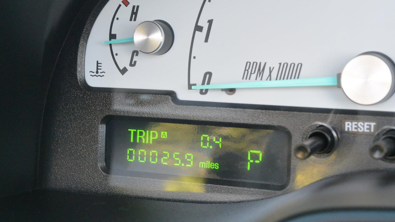 medium resolution of 2002 ford thunderbird convertible 5 full screen