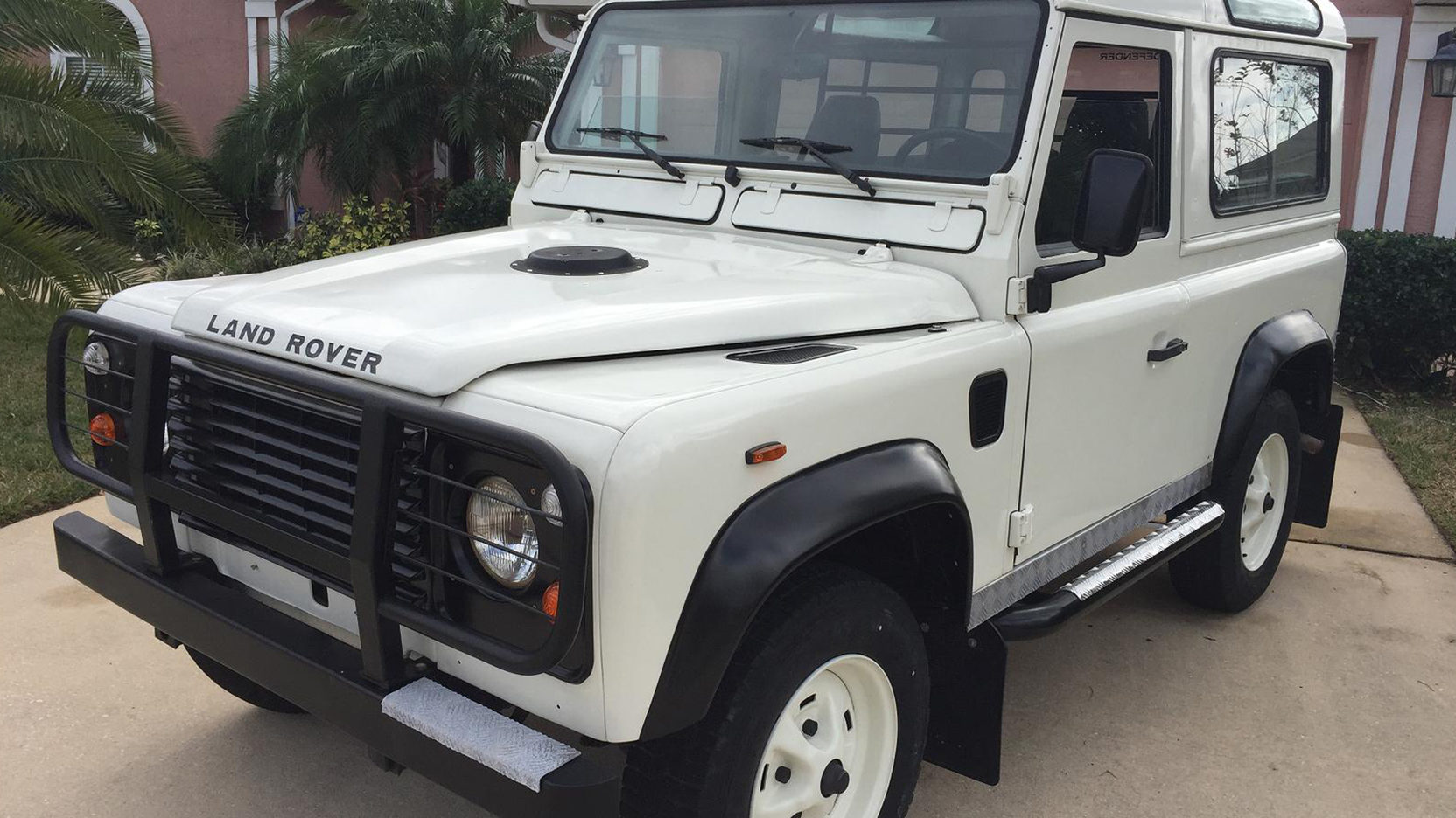 1987 Land Rover Defender 90 In Rushden - Year of Clean Water