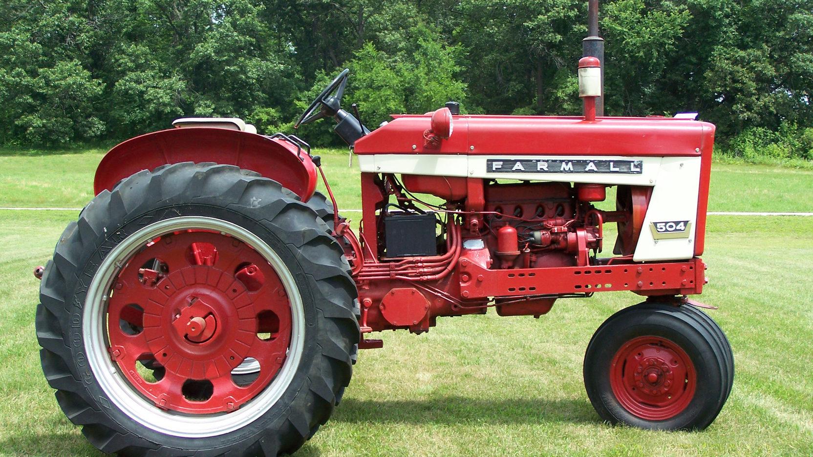 international farmall 504 tractor manual pdf farm [ 1664 x 936 Pixel ]