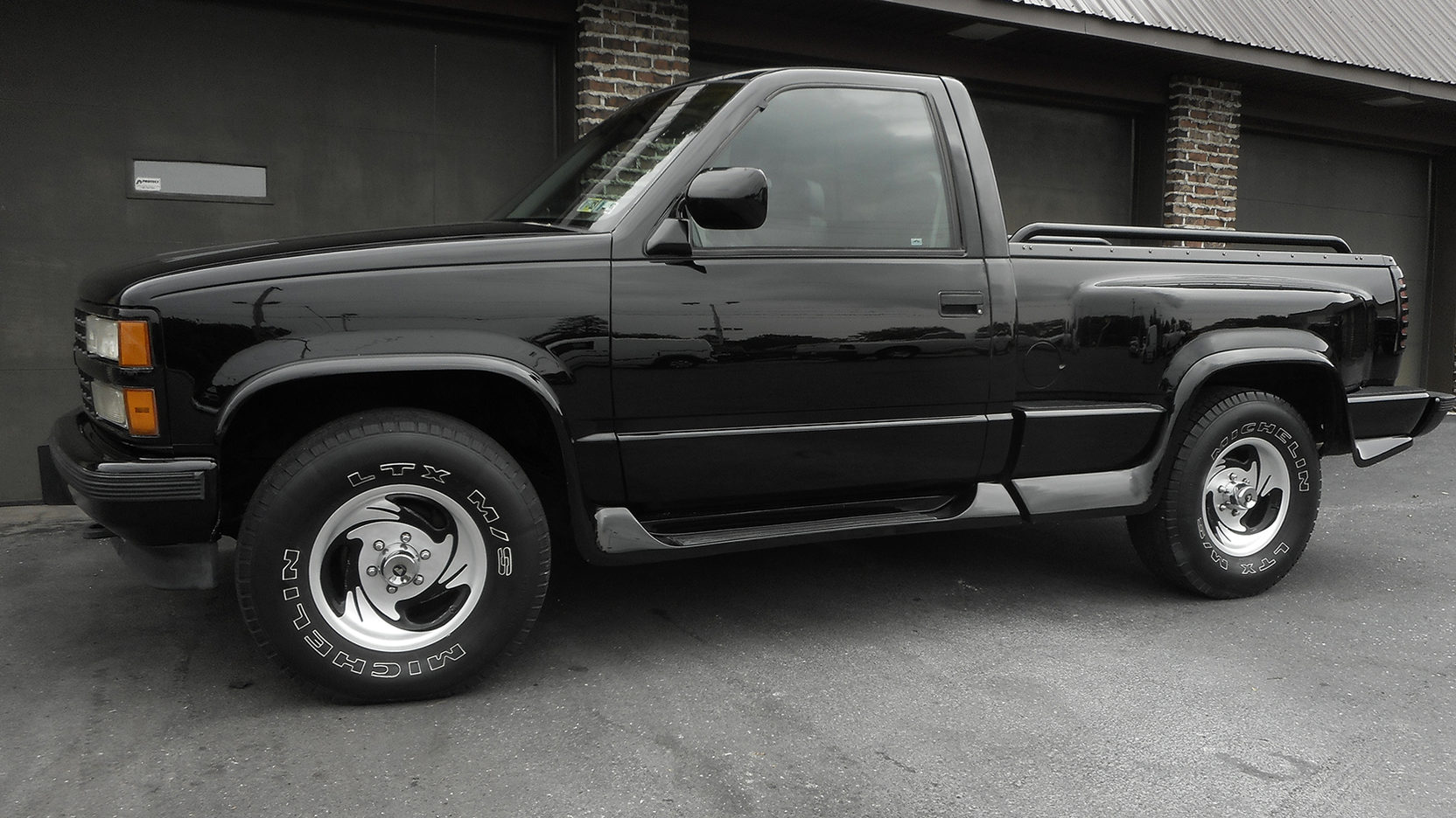 1993 chevrolet silverado pickup 2 full screen [ 1664 x 936 Pixel ]