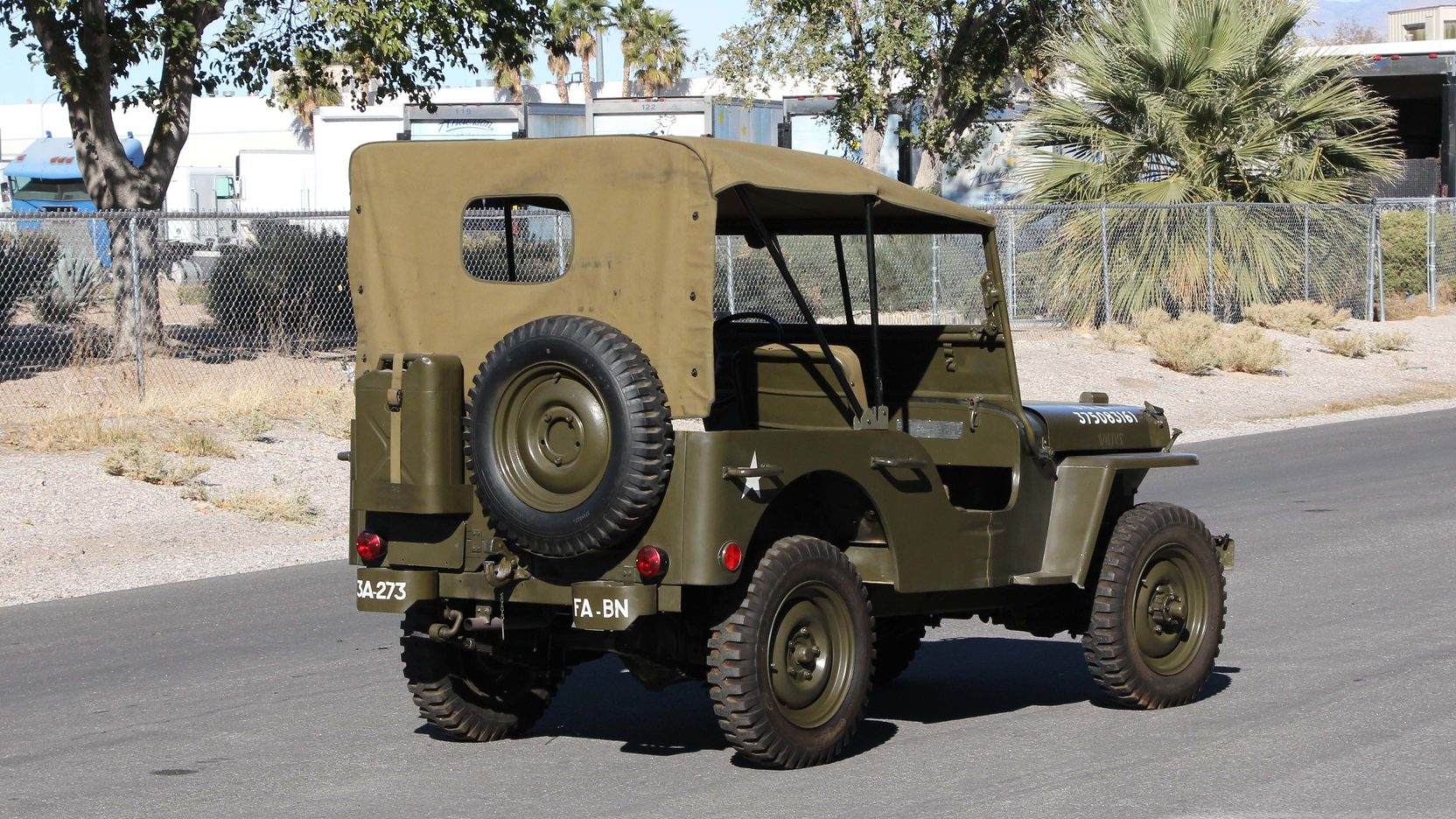 1948 willys military jeep 3 full screen [ 1664 x 936 Pixel ]