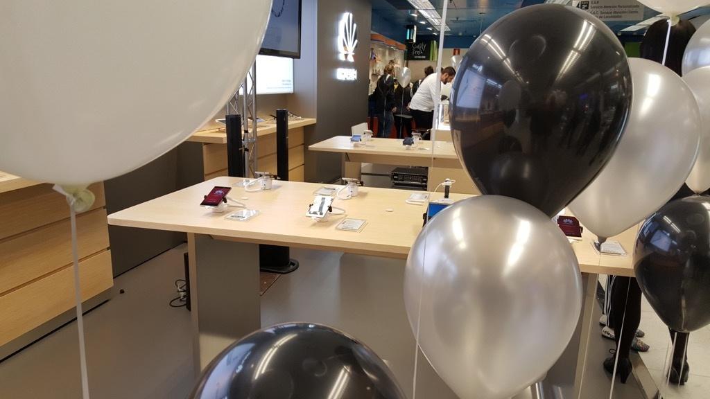 Huawei tienda el corte ingles con globos