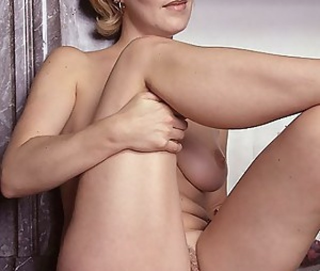 Naked Moms Pussy Porn Pictures