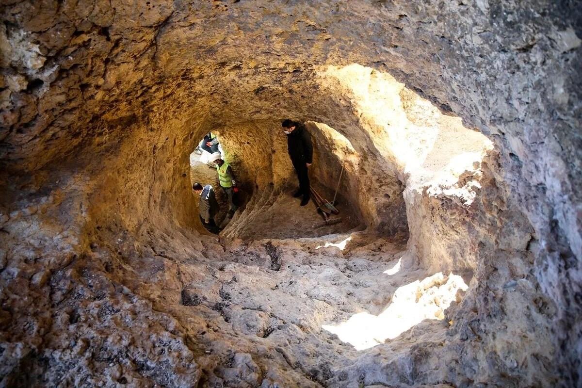 'Peygamberler diyarı' Eğil'in asırlık tünelleri turizme kazandırılıyor - 4